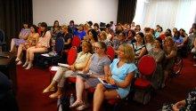 """80 de femei-lidere din diverse regiuni ale Republicii Moldova se reunesc, vineri, 28 iunie 2019, la Chișinău, unde participă, timp de trei zile, la un atelier de instruire al Academiei de Liderism Feminin """"Women 4 Leadership""""."""